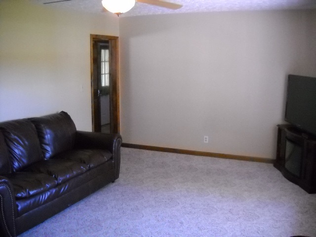 682 W State Road 66, Rockport, IN 47635