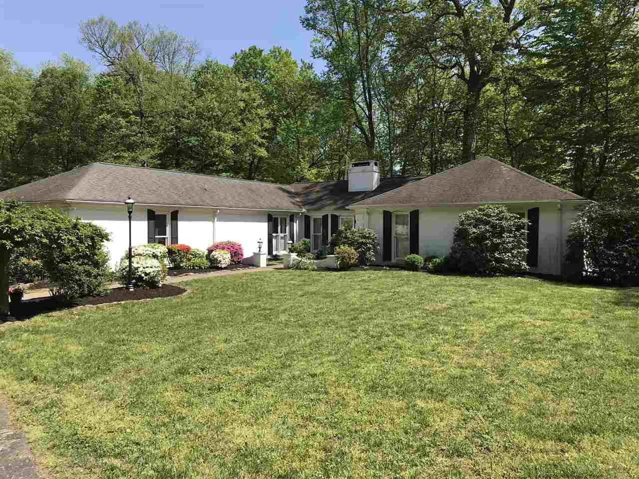 1306 Forest Hills Drive, Vincennes, IN 47591