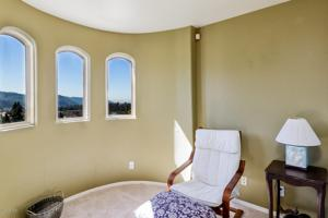 287 E View Drive, Santa Paula, CA 93060