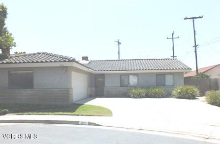 202 Elizabeth Court, Santa Paula, CA 93060