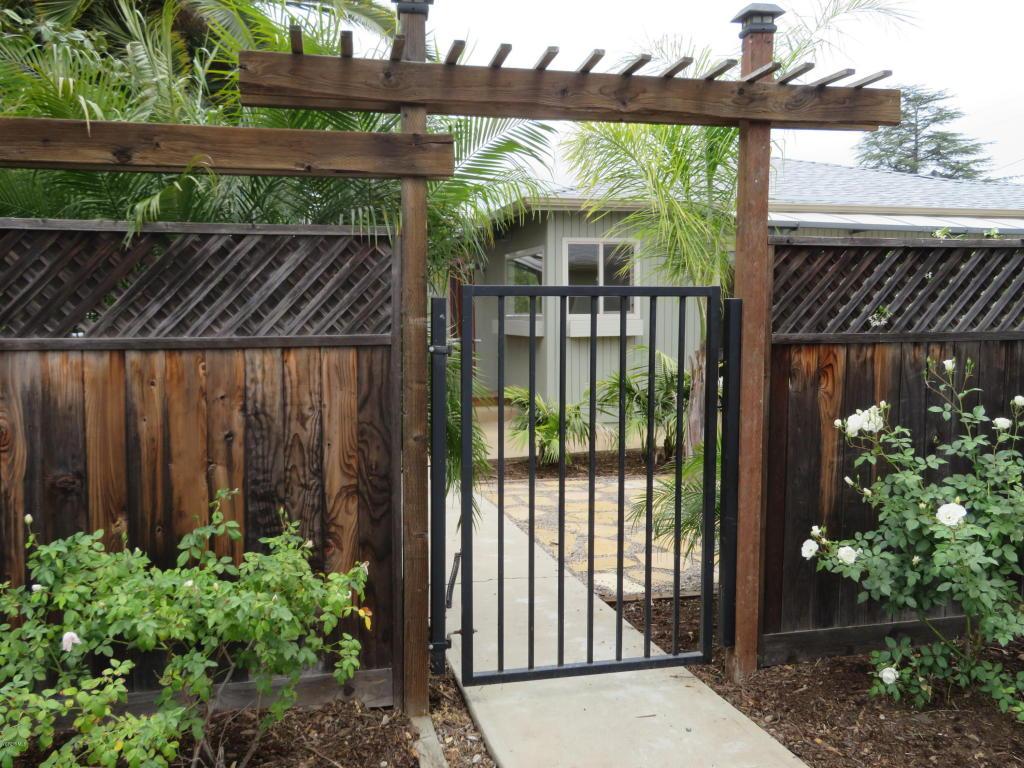 25 La Cumbra Street, Oak View, CA 93022