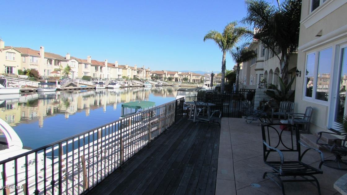 1533 Twin Tides Place, Oxnard, CA 93035
