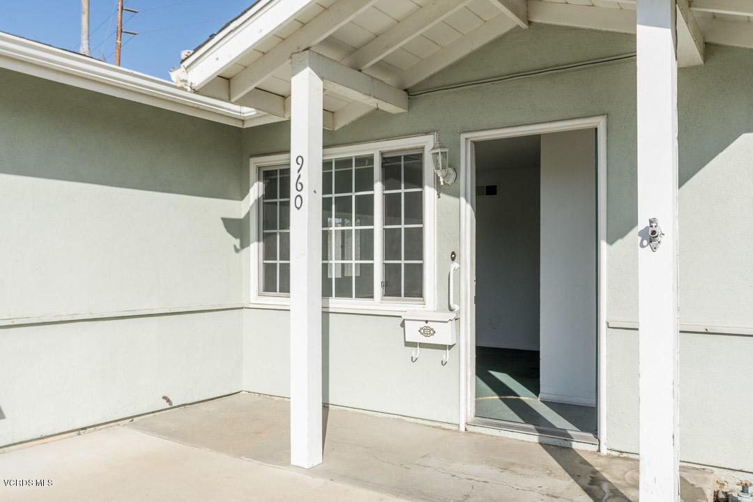 960 Barton Avenue, Camarillo, CA 93010