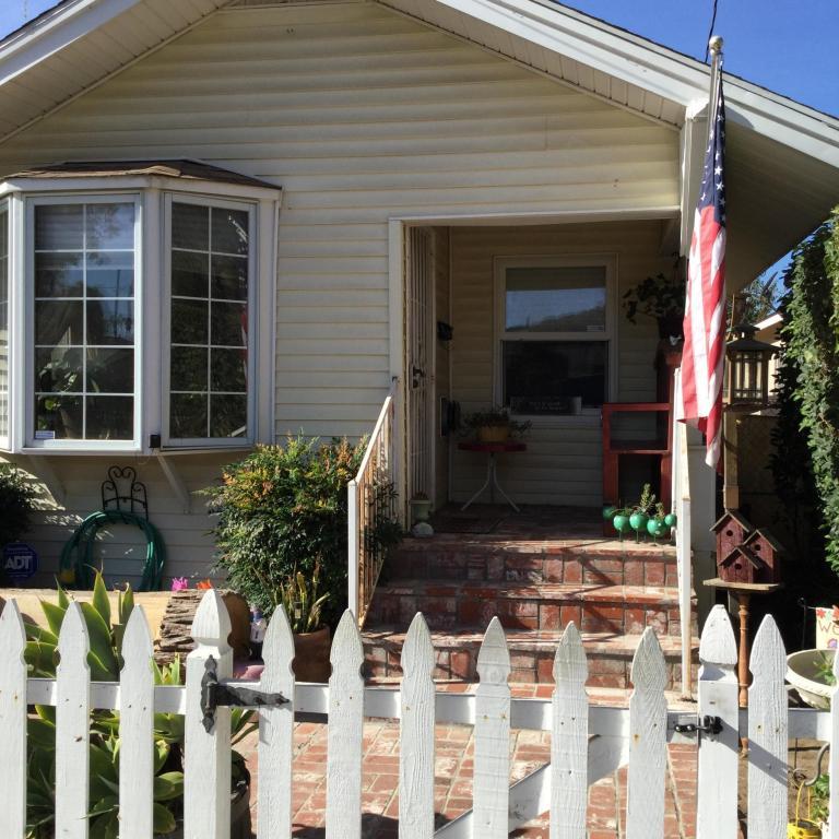 327 Saratoga Street, Fillmore, CA 93015