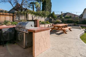 541 Stonehedge Drive, Fillmore, CA 93015