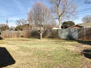 911 S Preston Road, Burkburnett, TX 76354