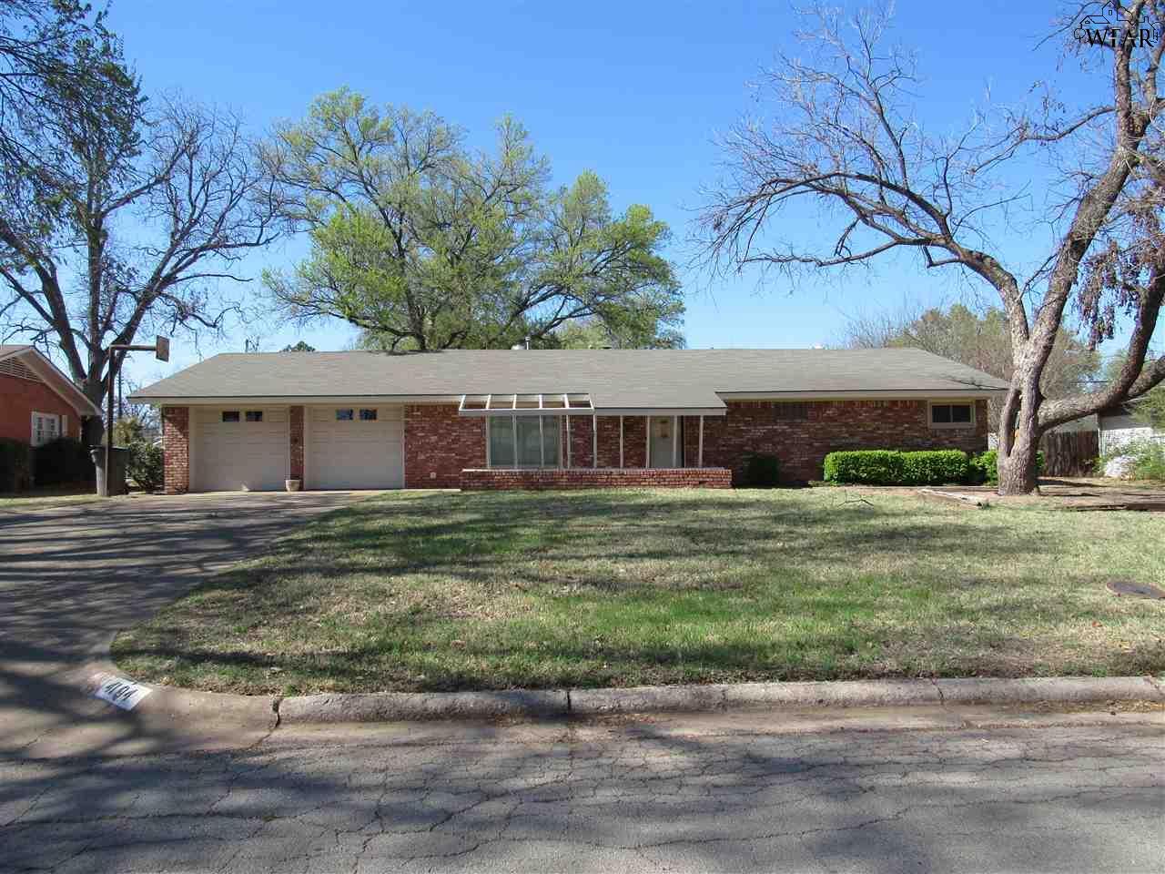 4104 Meadowbrook Drive, Wichita Falls, TX 76308