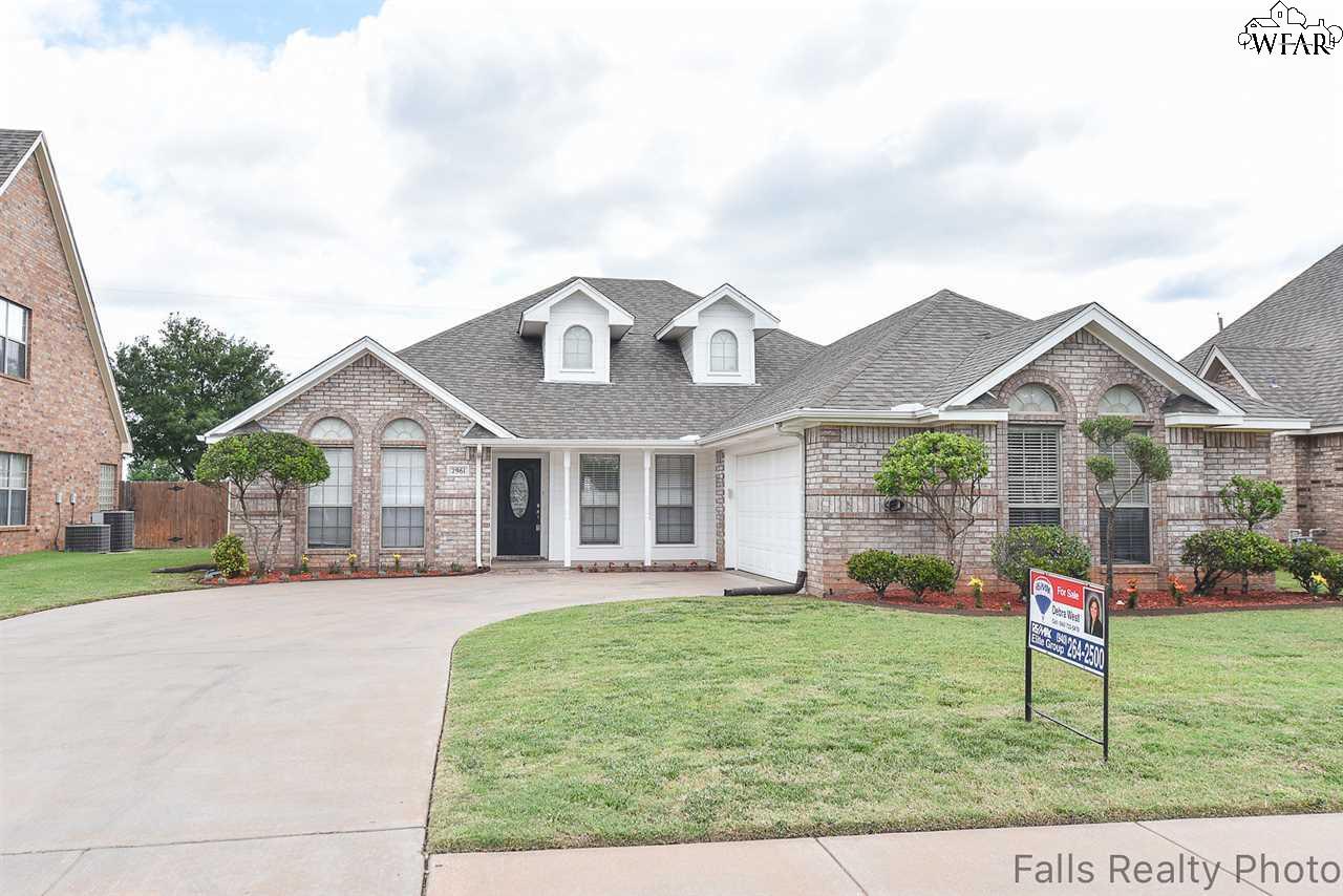 2961 S Shepherds Glen, Wichita Falls, TX 76308