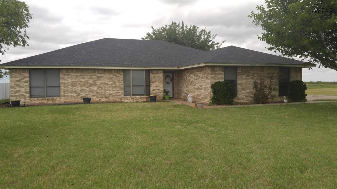 1700 Quail Valley Road, Iowa Park, TX 76367