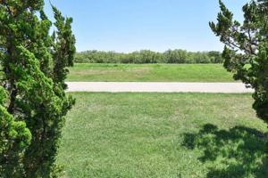 2923 S Shepherds Glen, Wichita Falls, TX 76308