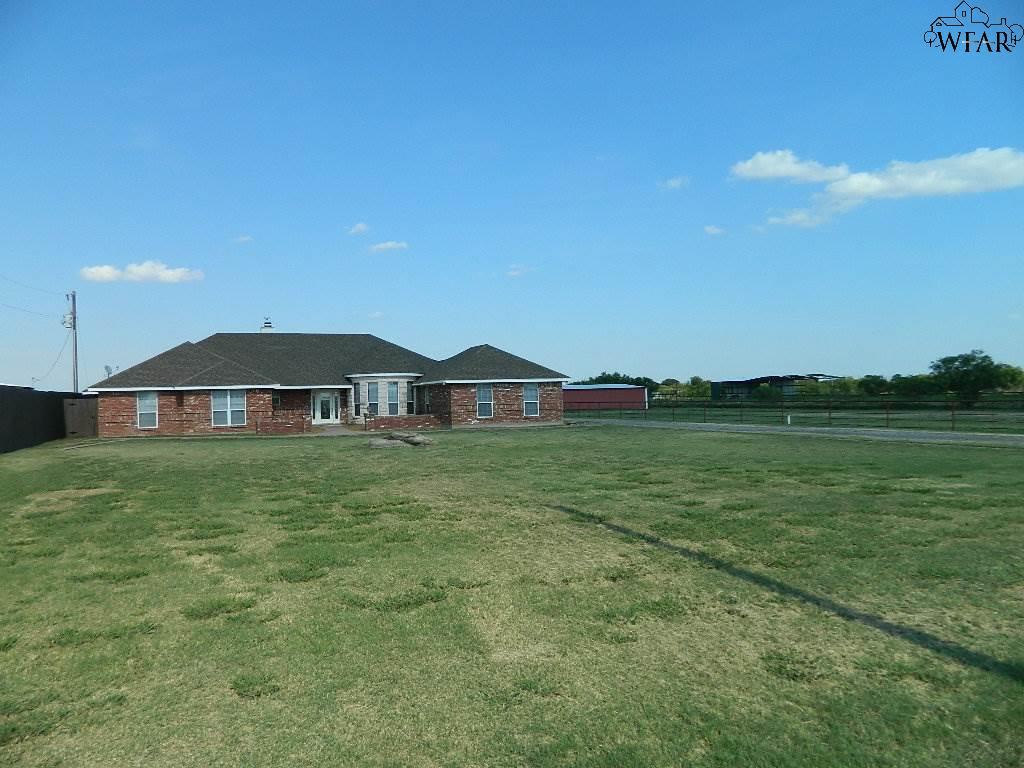 1979 S Peterson Road, Iowa Park, TX 76367