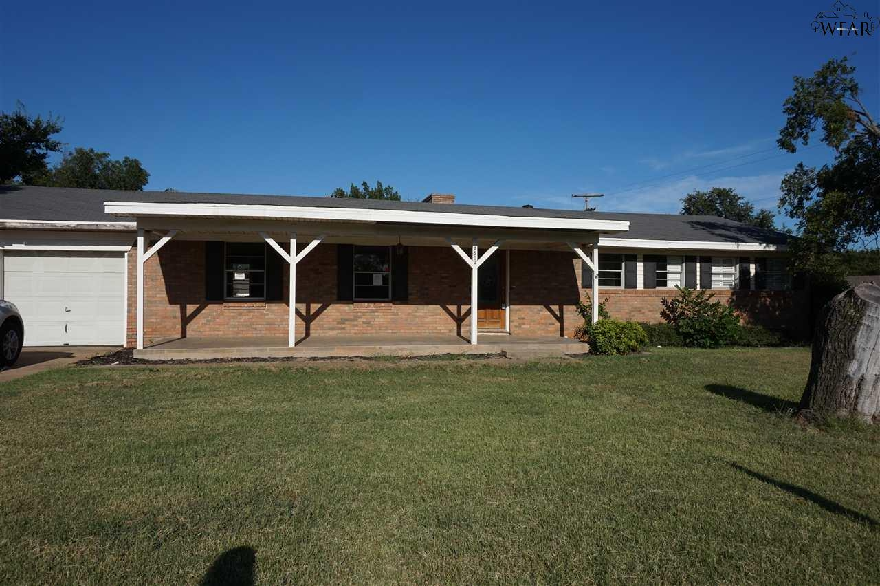 1503 Johnson Road, Iowa Park, TX 76367