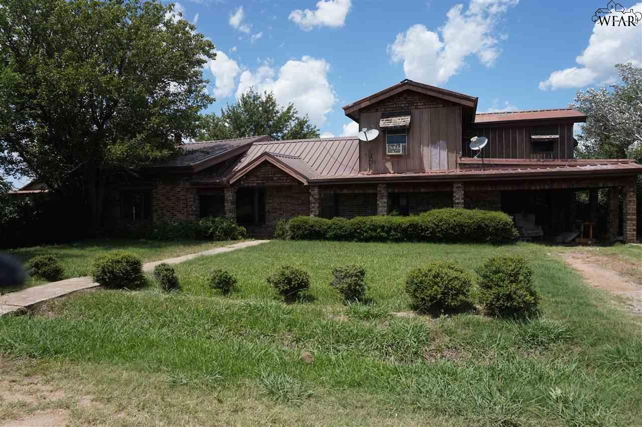 5798 W Fulfer Lane, Iowa Park, TX 76367