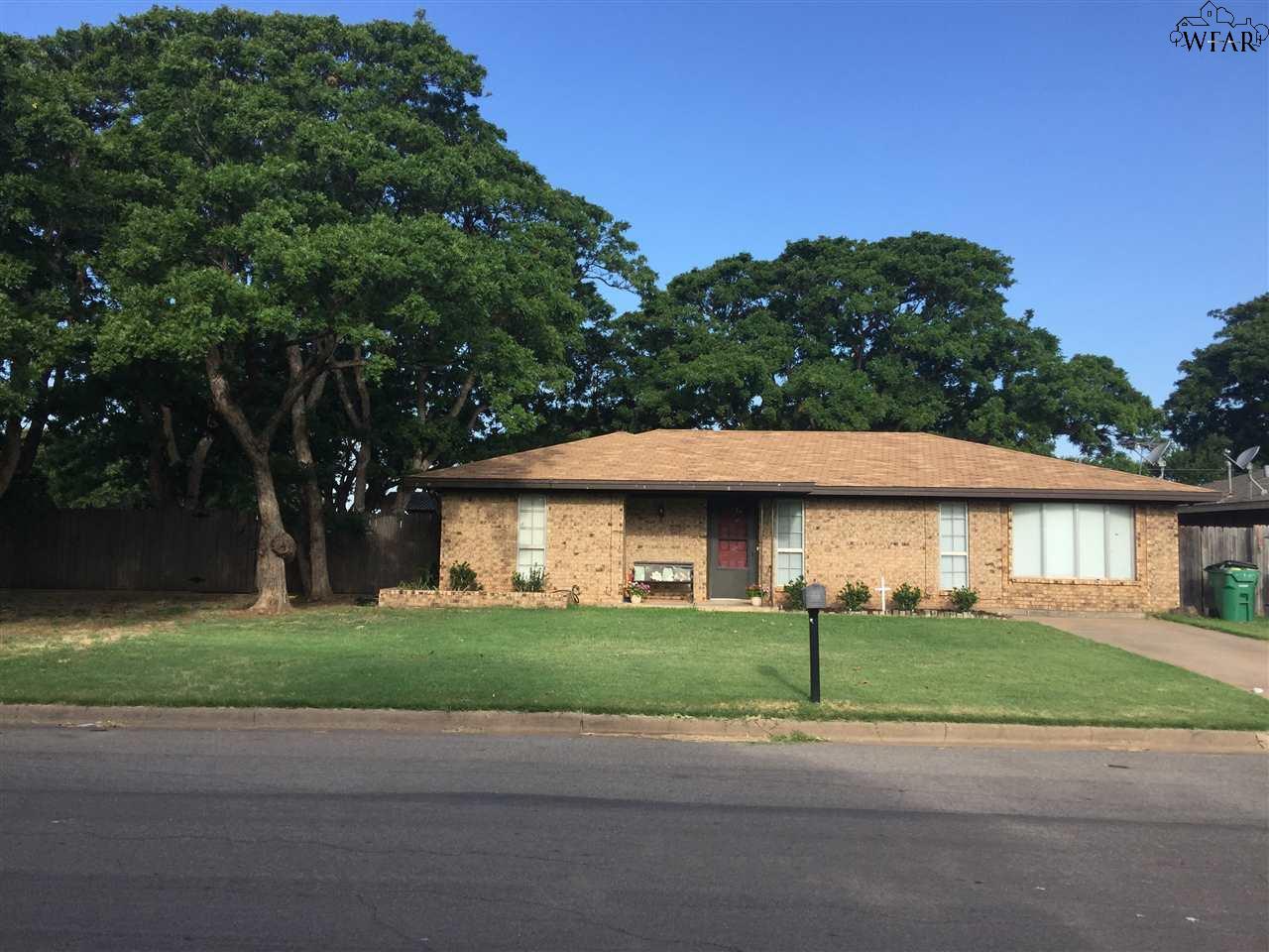 700 Mockingbird Lane, Iowa Park, TX 76367