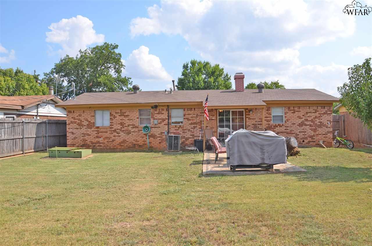 206 Hope Lane, Iowa Park, TX 76367