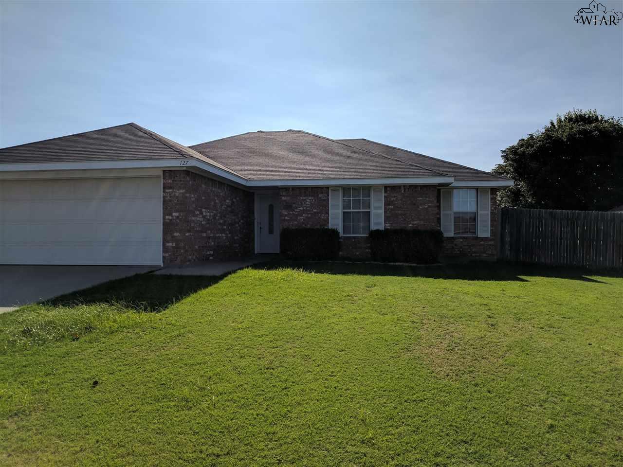 127 Garrett Street, Burkburnett, TX 76354
