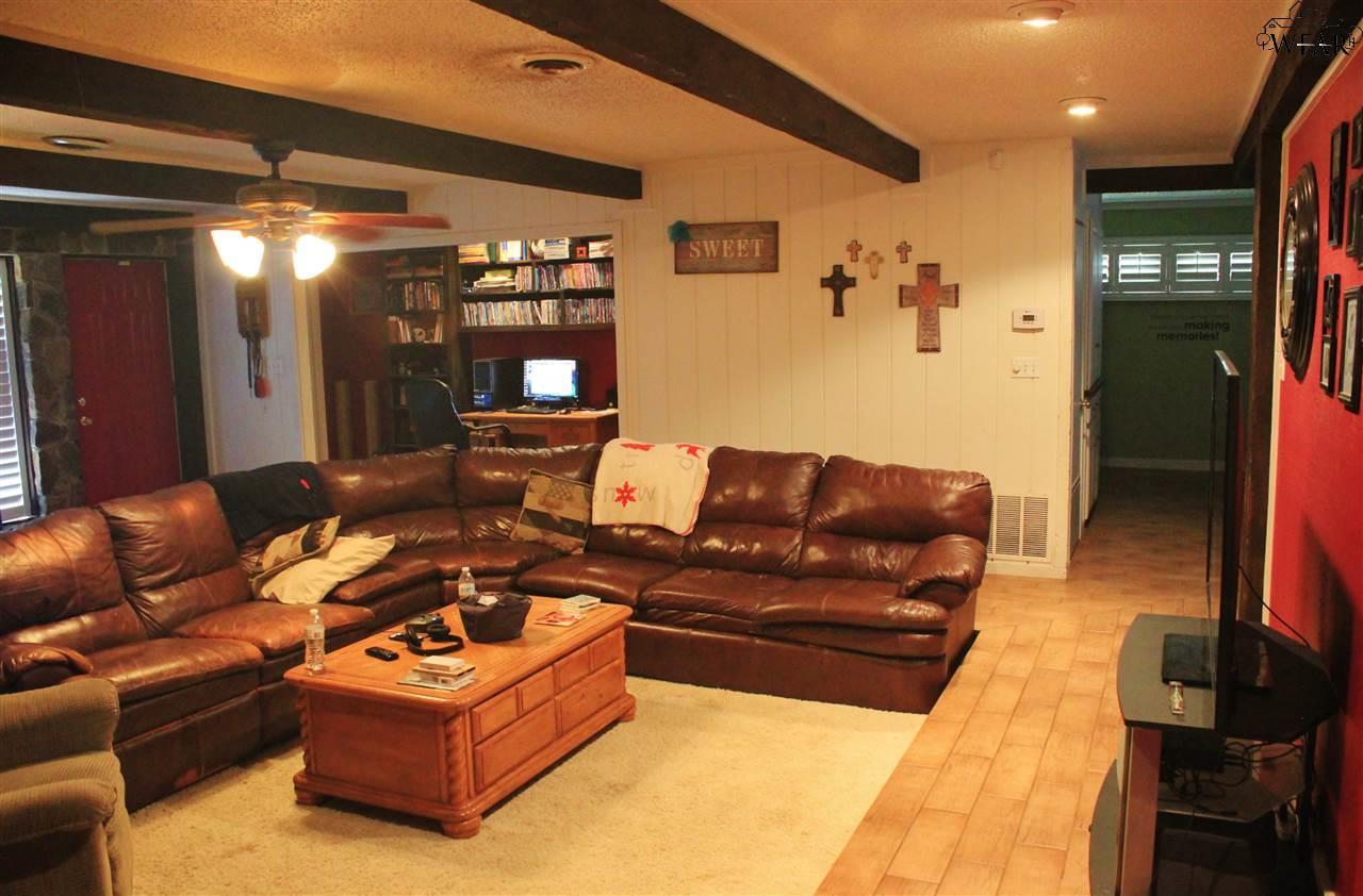 3801 Bismarck Street, Vernon, TX 76384