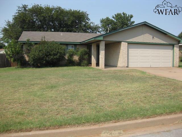 985 Victoria Drive, Burkburnett, TX 76354