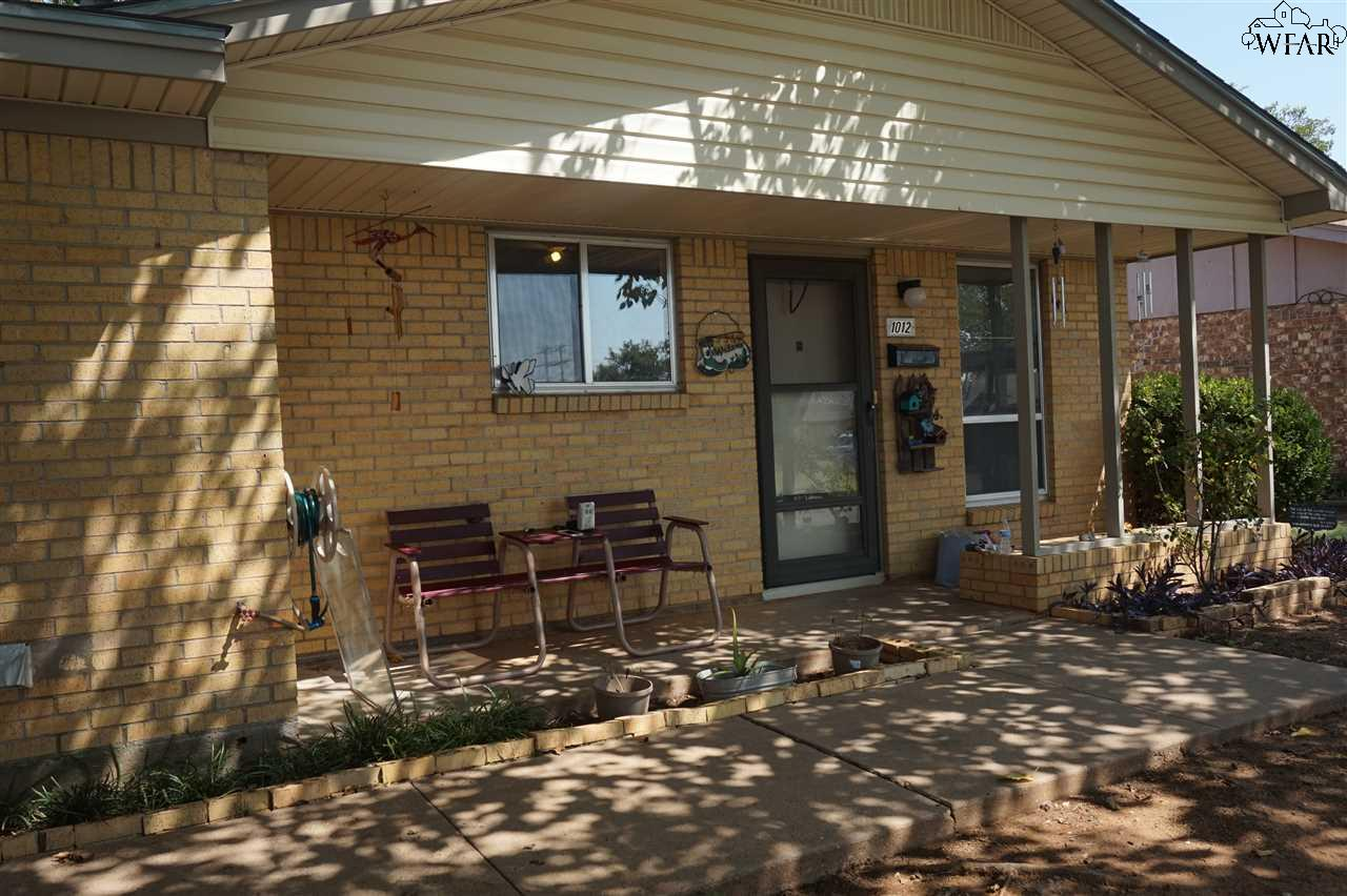 1012 Van Horn Street, Iowa Park, TX 76367