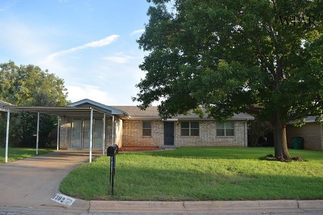 1302 Blue Jay Street, Iowa Park, TX 76367