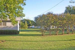 216 W Crafton Street, Henrietta, TX 76365