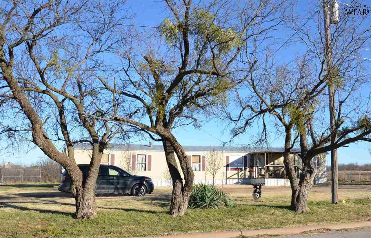 203 S College Street, Holliday, TX 76366