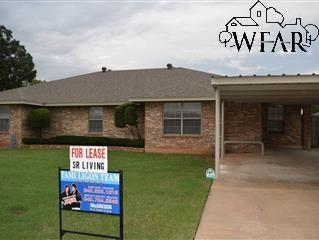 402 W Bank Street, Iowa Park, TX 76367
