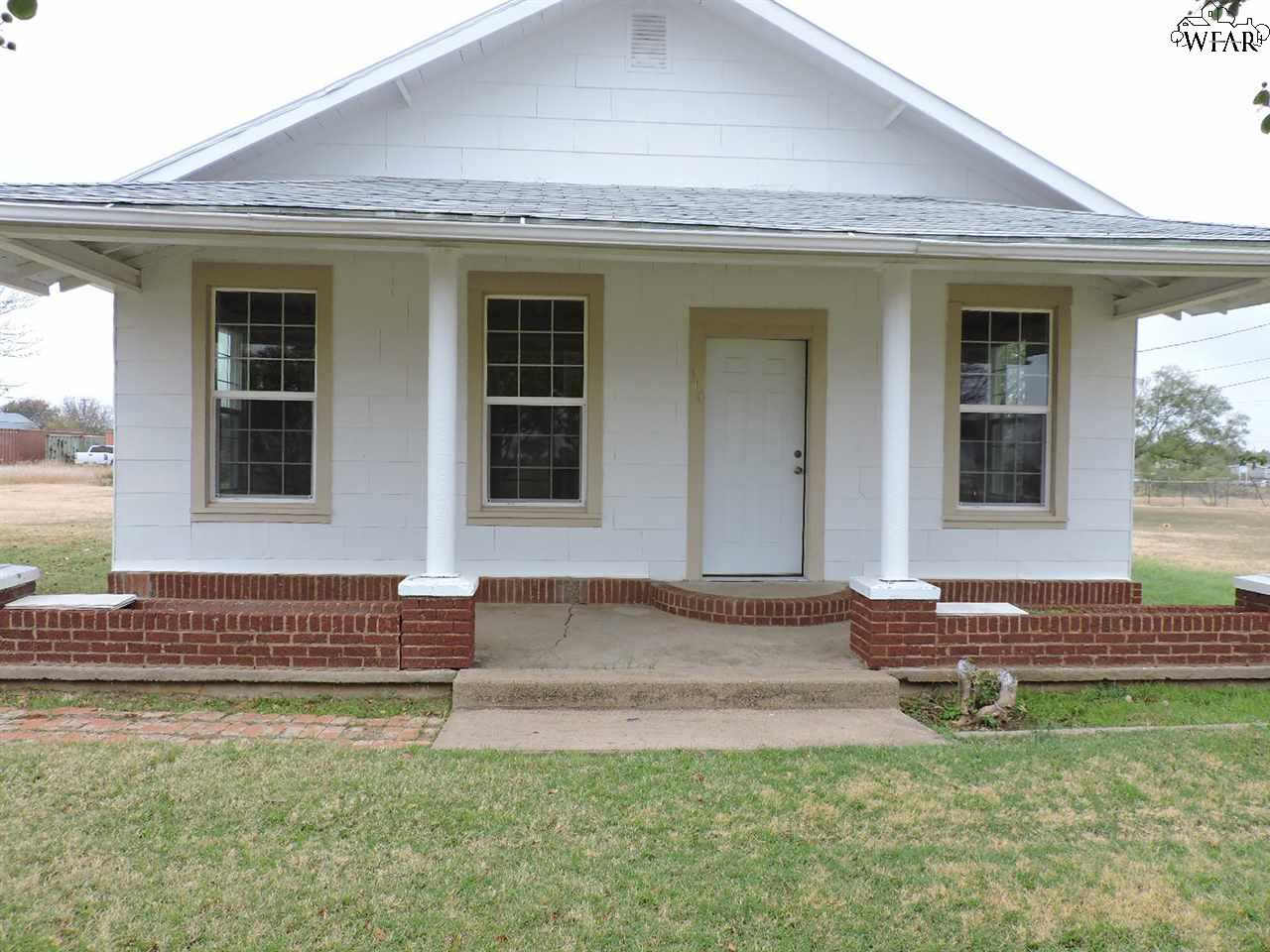 110 S East Street, Holliday, TX 76366