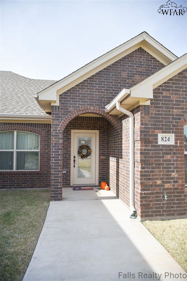 824 Coulter Drive, Burkburnett, TX 76354