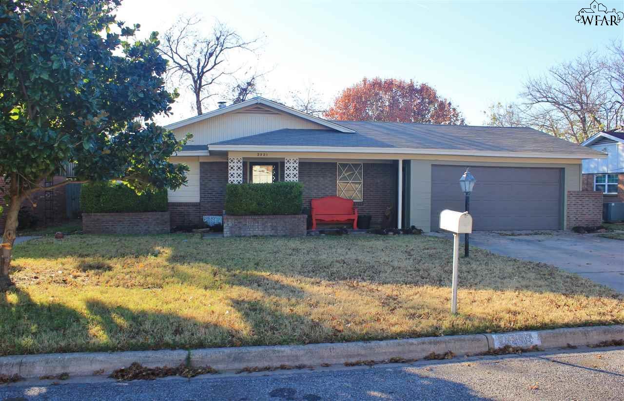 2931 Sunset Circle, Vernon, TX 76384