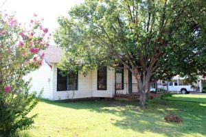 413 S Archer, Henrietta, TX 76365