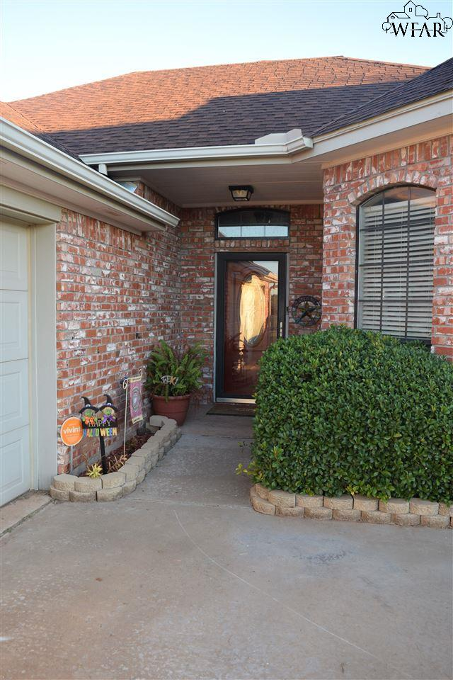 508 E Texas Avenue, Iowa Park, TX 76367