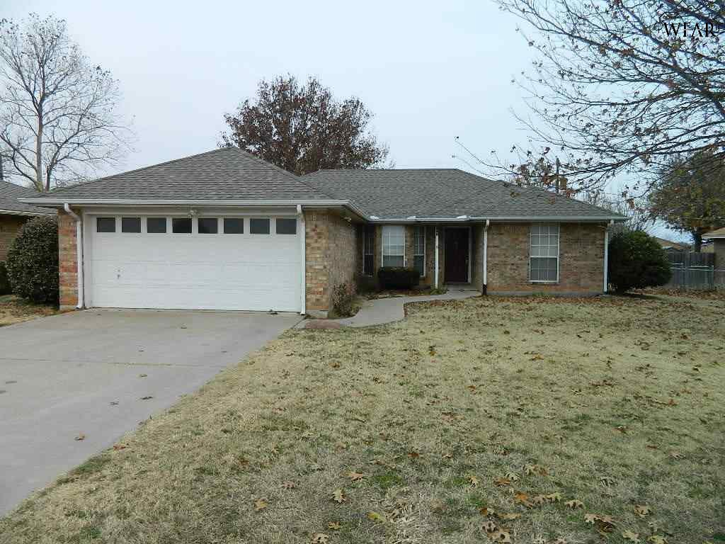 537 Charlotte Avenue, Burkburnett, TX 76354