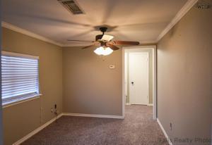 118 N Avenue B, Burkburnett, TX 76354