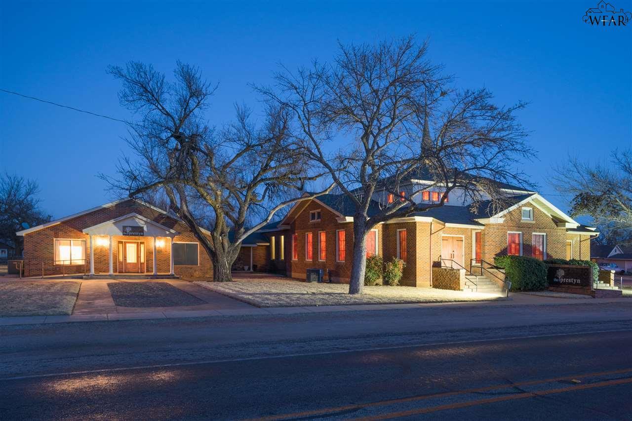 211 S Yosemite Street, Iowa Park, TX 76367