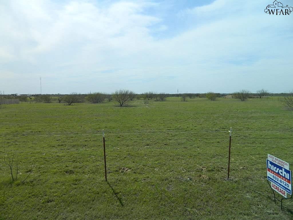 Red Rock Road, Wichita Falls, TX 76305