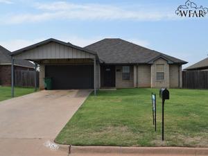 906 E Texas Avenue, Iowa Park, TX 76367