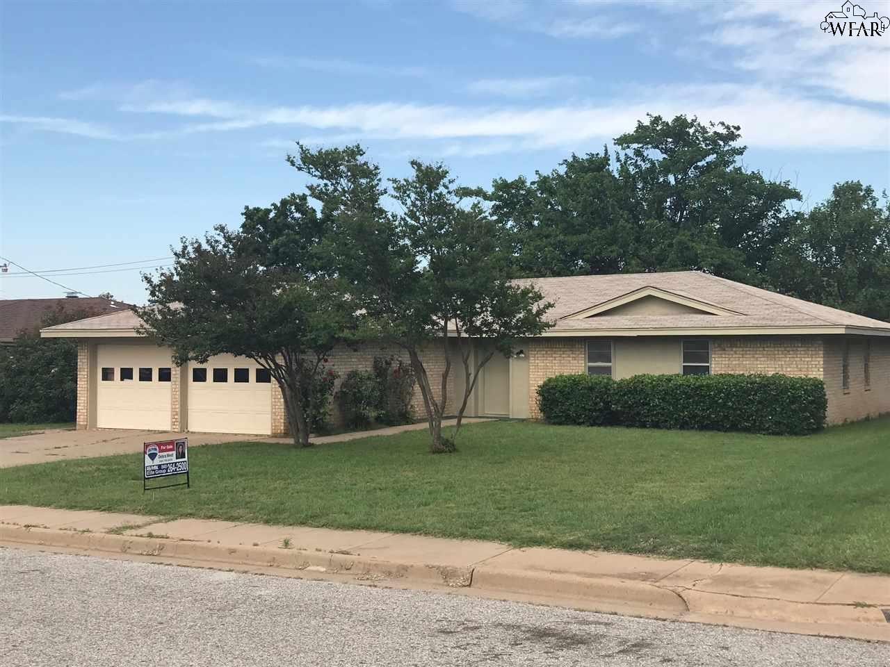 5221 Brookwood Drive, Wichita Falls, TX 76302