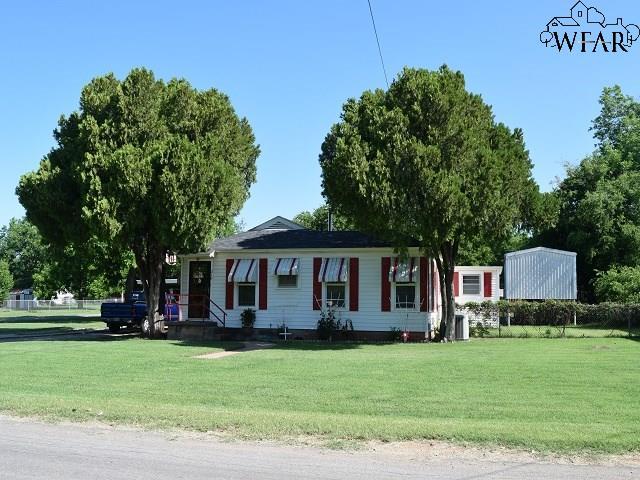 310 W Aldine Street, Iowa Park, TX 76367