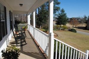 217 Breckenridge Dr, Six Mile, SC 29682