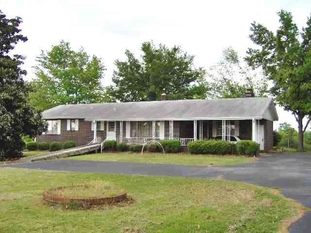 441 Woodall Mountain Road, Pickens, SC 29671