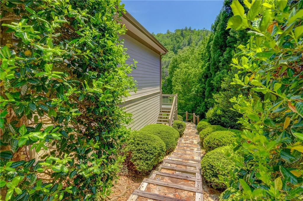 119 Trout Lily Ln, Sunset, SC 29685