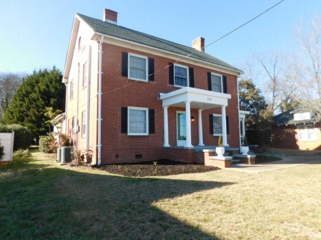 108 S Oak Street, Seneca, SC 29678
