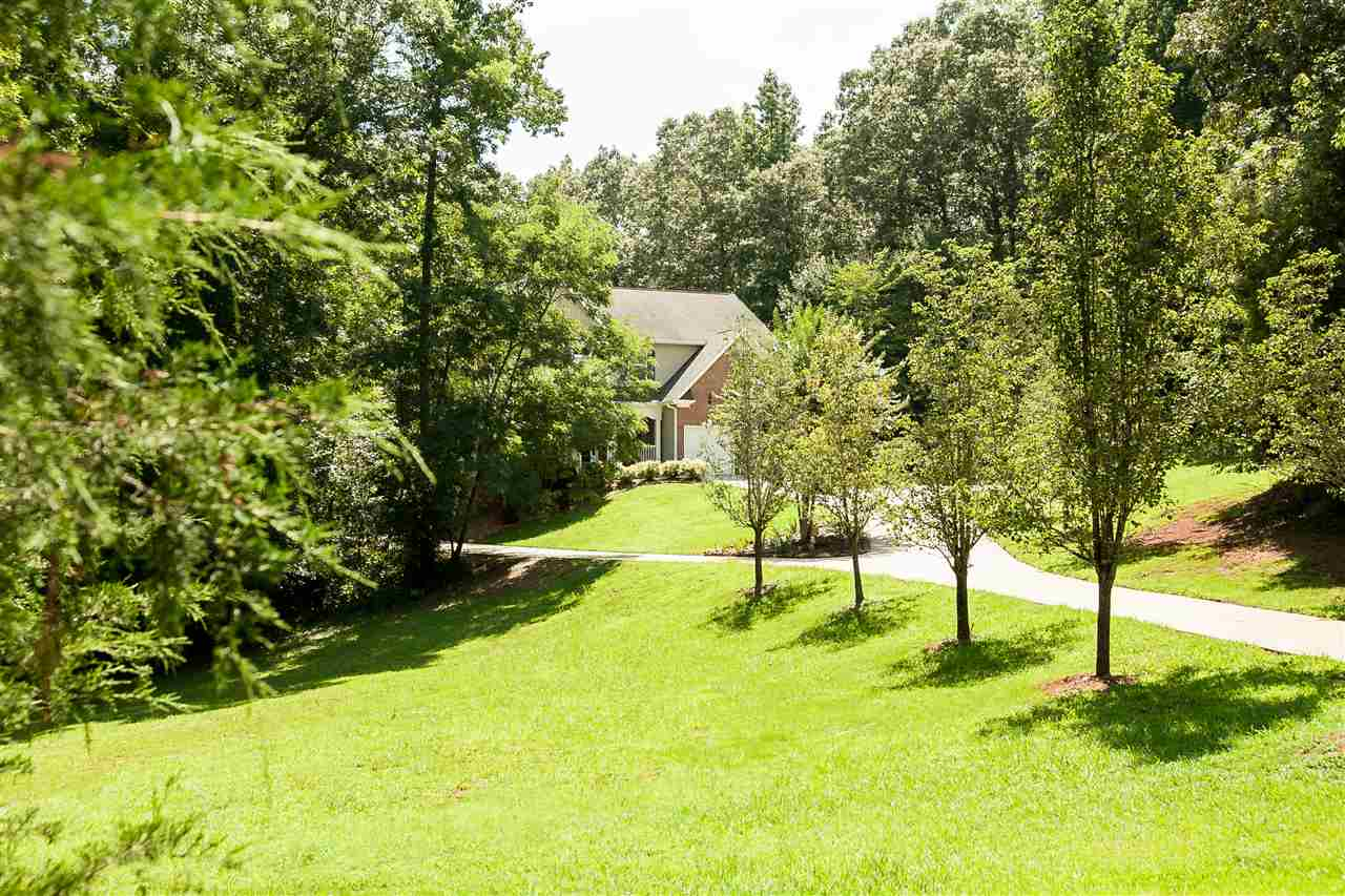 103 Club Court, Laurens, SC 29360