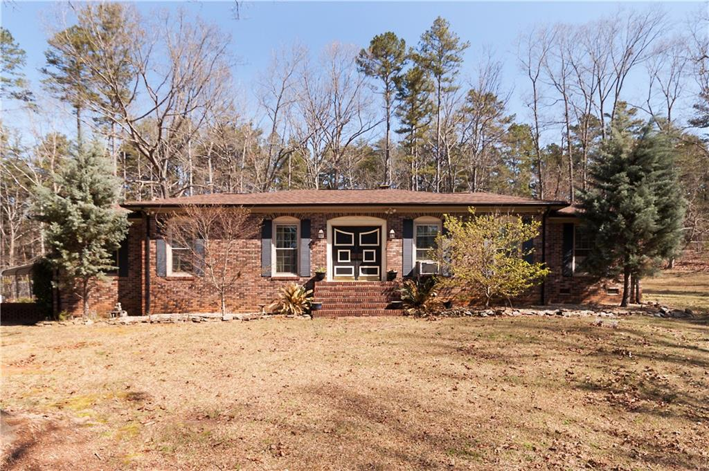 526 Cleveland Pike Road, Westminster, SC 29693