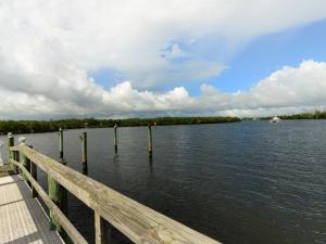 100 Harbor Way, Hobe Sound, FL 33455
