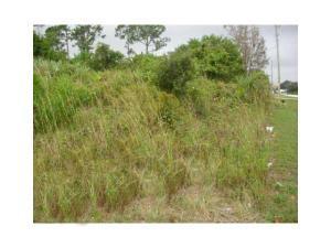 1582 Se Sandia Drive, Port Saint Lucie, FL 34983