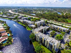 14 Royal Palm Way, Boca Raton, FL 33432