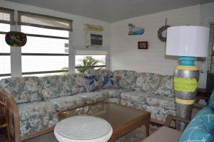 8483 Schefflera Court, Port Saint Lucie, FL 34952