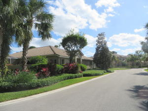 7088 Torrey Pines Circle, Port Saint Lucie, FL 34986